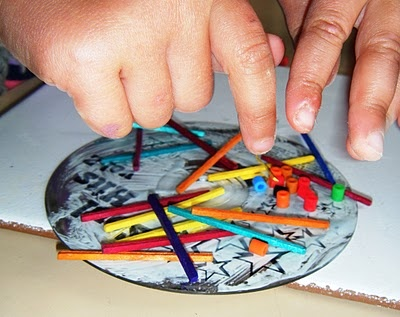 Easy CD suncatchers or mobiles: Art Lessons, Cd Mosaics, Artsy Fartsy, Cds Crafts, Art Projects, Old Cds, Cd Art, Cd Suncatchers