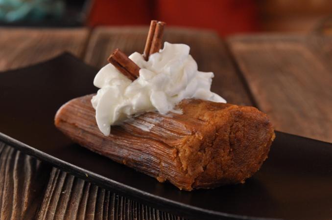 Pastel de calabaza Tamale (vegano) - Fabricado con un puré de todos los naturales vegano calabaza, especias cálidas, y mucho amor!  El postre de vacaciones perfecto!  Servir en lugar de la misma ol 'pastel de calabaza, disfrutar en lugar de un panecillo desayuno y emparejarse con un café con leche caramelo caliente, o como un bocadillo divertido para los niños!  ¡Ya disponible!