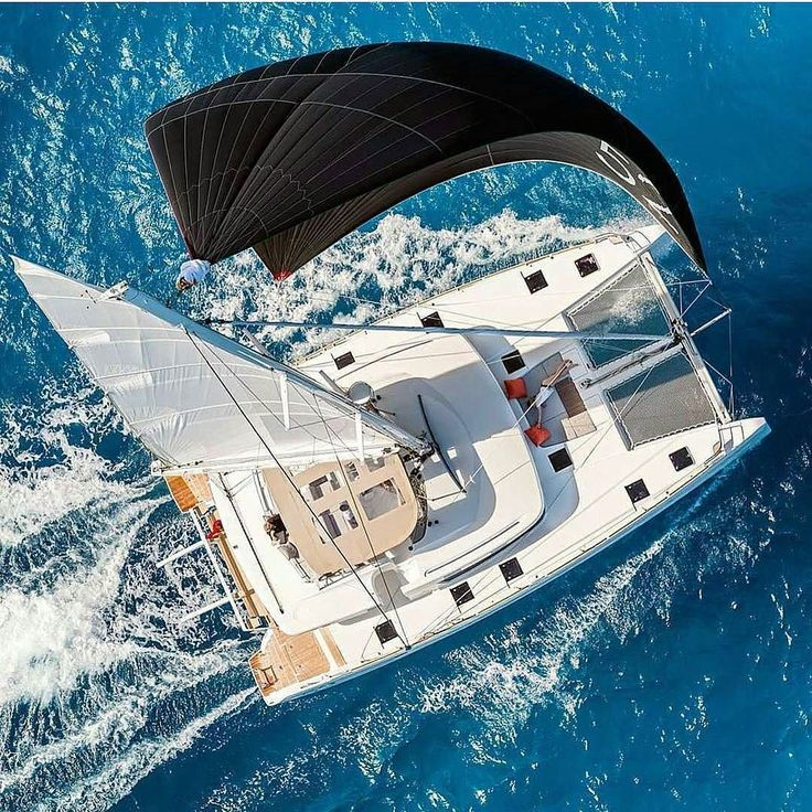 Charter this #lagoon52 with friends and family for much less than you think. #dosomethingamazingwithsailing