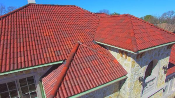 Barrel Tile Roof In 2020 Roof Installation Concrete Roof Tiles Clay Roof Tiles