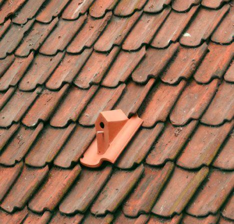 ¿Original idea para tejas de ventilación o realmente es una casa para