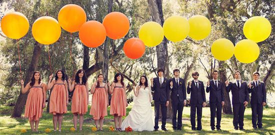 Bridal party balloons - Different ways to work balloons into the wedding and photos.