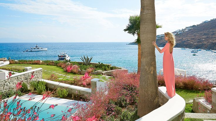 Grand Blu Suite on the Waterfront Private Pool | Overlooking the famous Psarou Beach...