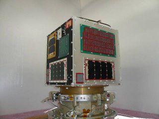 7月8日に高度約680kmの軌道上で発電実験を行い、そのデータを解析した結果、約30分間にわたって、330から350ボルトの電圧で安定して発電していることが確認された。宇宙空間における太陽電池アレイを使った発電電圧は、国際宇宙ステーション(ISS)の160ボルトがこれまでの最高値であり、350ボルトの発電電圧は世界初の快挙