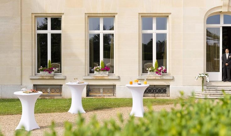 Réceptions & mariages au Tiara Château Hôtel Mont Royal #Chantilly. Wedding receptions and private get-togethers at Tiara #Chateau Hotel Mont Royal Chantilly.