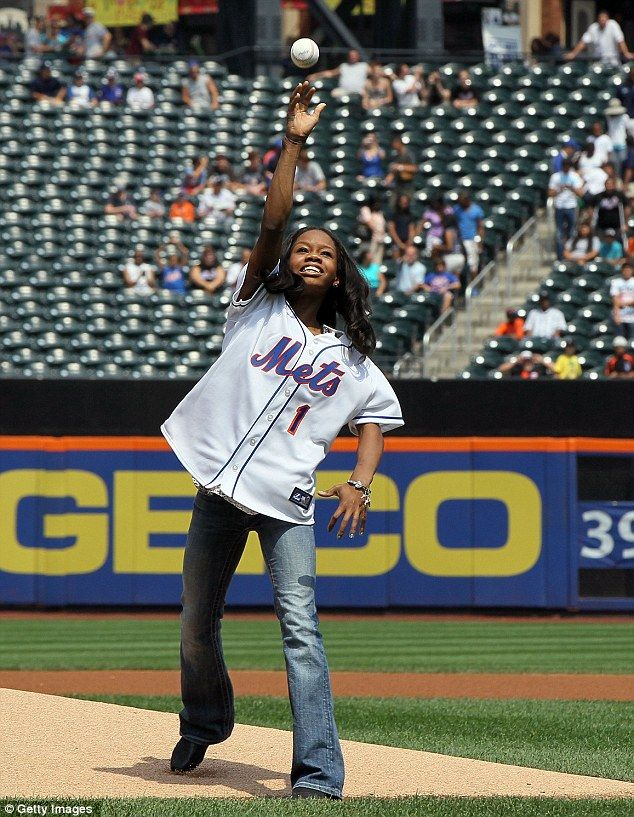 Gabby Douglas throws out first pitch at Mets game