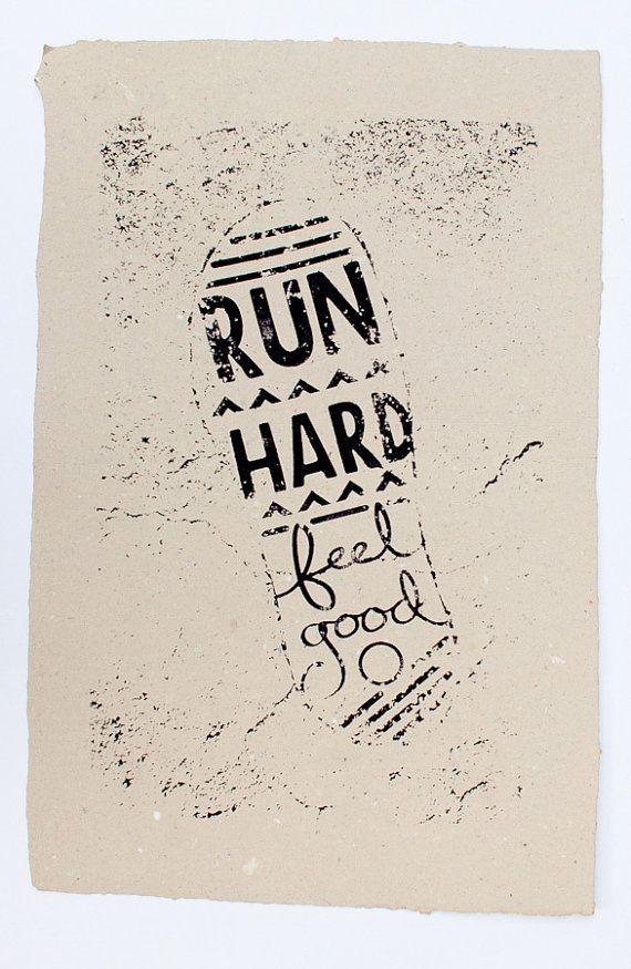 Run Hard / Feel Good - Screenprint on handmade recycled paper op Etsy, 15,02€