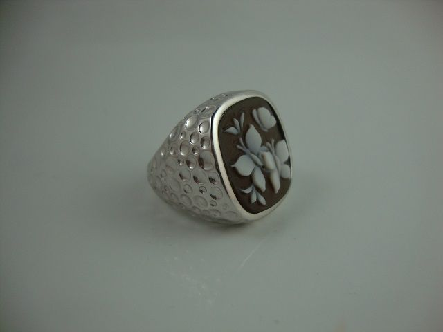 Hammered work ring