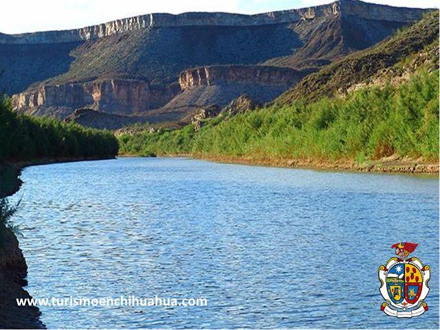 """TURISMO EN CIUDAD JUÁREZ Le platica que la ciudad cuenta con tres formas de abastecimiento de agua, dos depósitos o mantos subterráneos llamados: """"Bolsón del Hueco"""" y """"Bolsón de Mesilla"""", existen planes para la instalación de una planta potabilizadora de las aguas del Río Bravo, ya que en la actualidad únicamente se explota para regar los cultivos del Valle de Juárez. #visitachihuahua"""