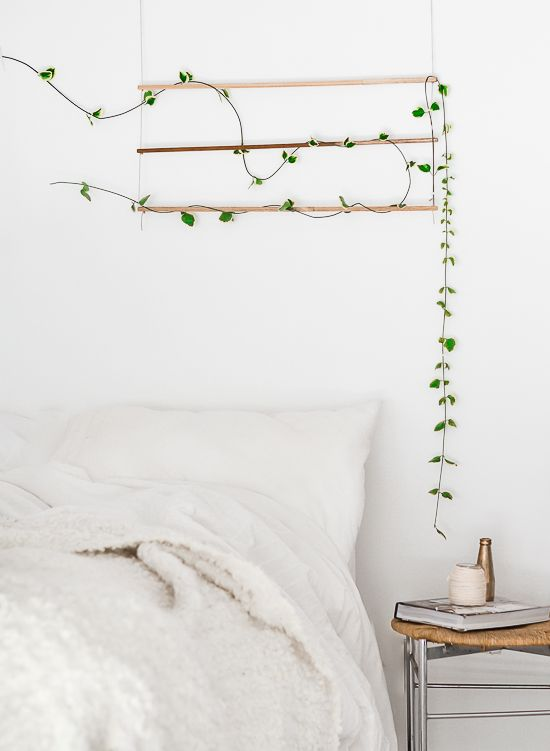 Bedroom with simpel a wall hangning decoration #homedecor #plants