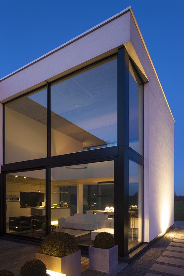 Photography: Liesbet Goetschalckx · Minimalist HouseModern HousesModern  ArchitectureExterior ...