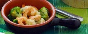 ricetta per i gamberoni saltati con broccoletti e cavoli