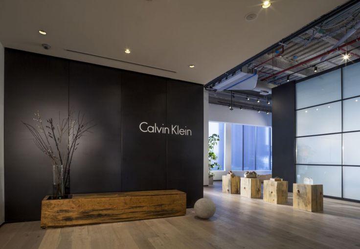 Recepción #Showroom Calvin Klein México . #Oficinas . Space Arquitectura   Juan Carlos Baumgartner.  Premio VIII Bienal CIDI Interiorismo, Diseño y Paisajismo #fashion #moda #interiorismo #interiordesign