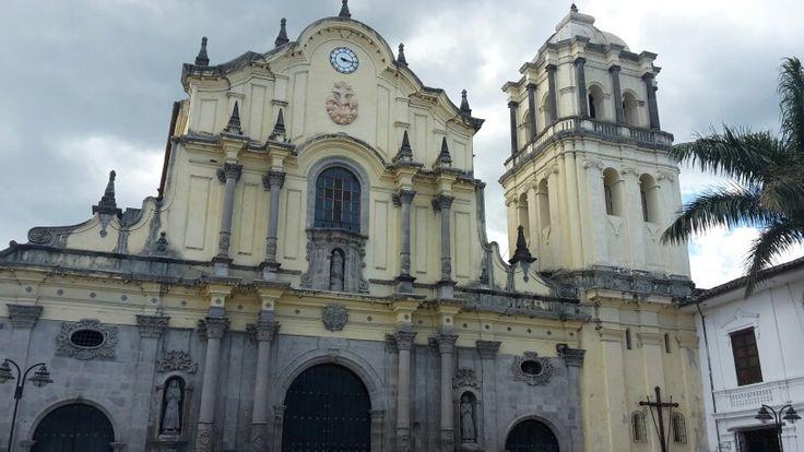 Iglesia de San Francisco en Popayán, Cauca. Iglesia de estilo barroco contraída en la era hispánica en Colombia.