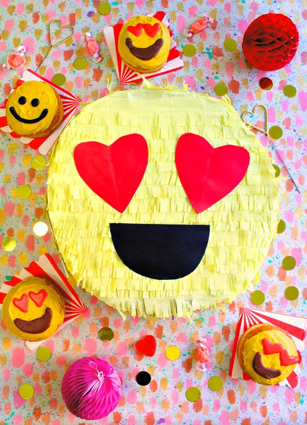DIY Valentine's Day Emoji Pinata Box Idea! See more creative DIY Valentine's Day box ideas for kids on www.prettymyparty.com.
