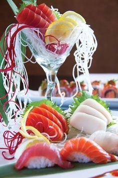 nice display of sushi too!