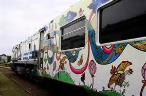 First Batik Train in Indonesia and in the World.   portalbagus.blogspot.com