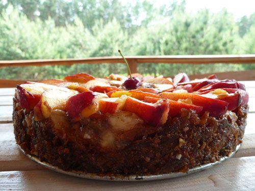 Surowy tort nektarynus