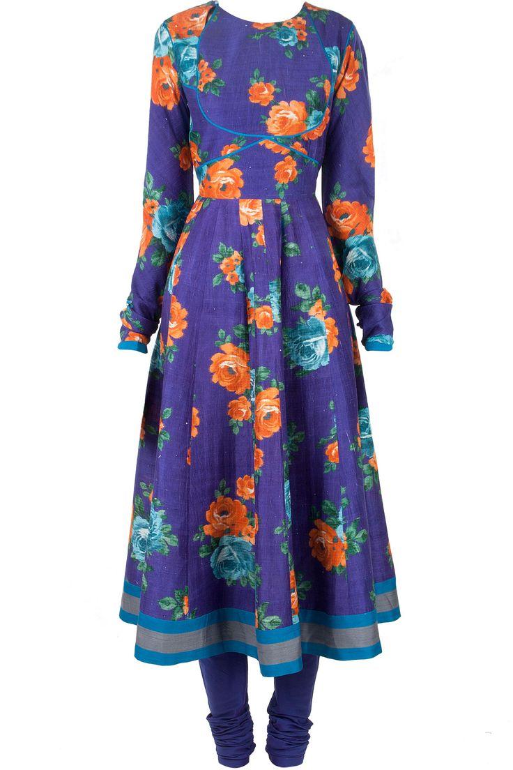 Floral print kalidaar kurta set by PAYAL PRATAB. Shop now at perniaspopupshop.com