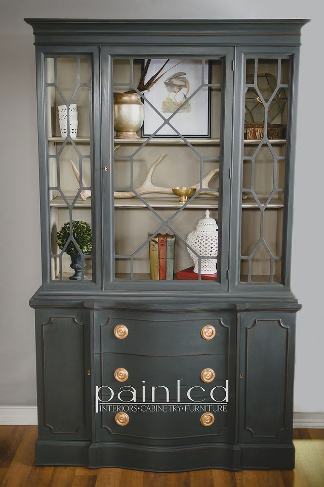china cabinet painted in custom mix of graphite and french linen chalk paint by annie sloan on the body and a mix of old white and french linen on the