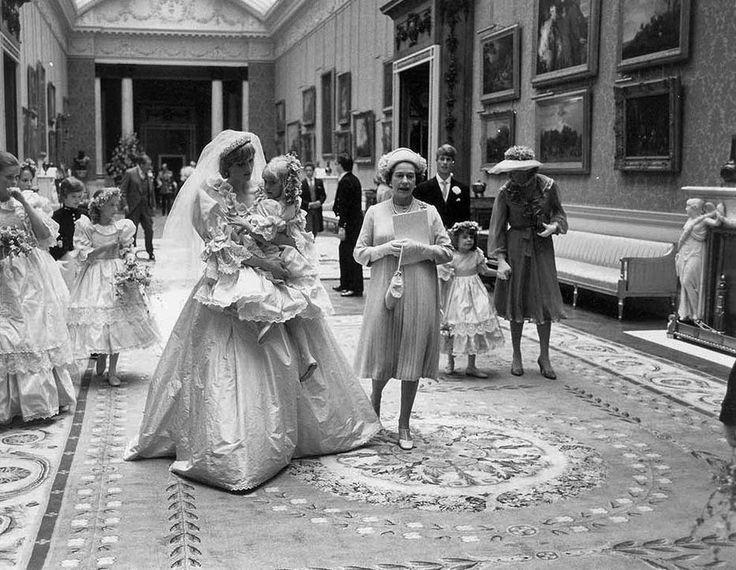 Fotografias inéditas do casamento da princesa Diana vão a leilão - Internacional - Estadão