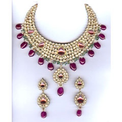 Uncut Diamond Jewellery With affordable rate