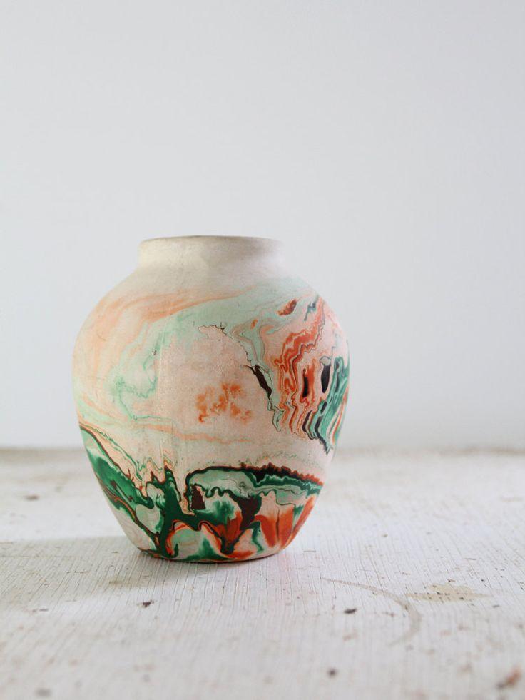 Vintage Nemadji Vase / Desert Pottery. $58.00, via Etsy.Decor, Art Vintage, Deserts Pottery, Vintage Wardrobe, Nemadji Vases, Ceramics, Nemadji Pottery, Vintage Nemadji, Art Object