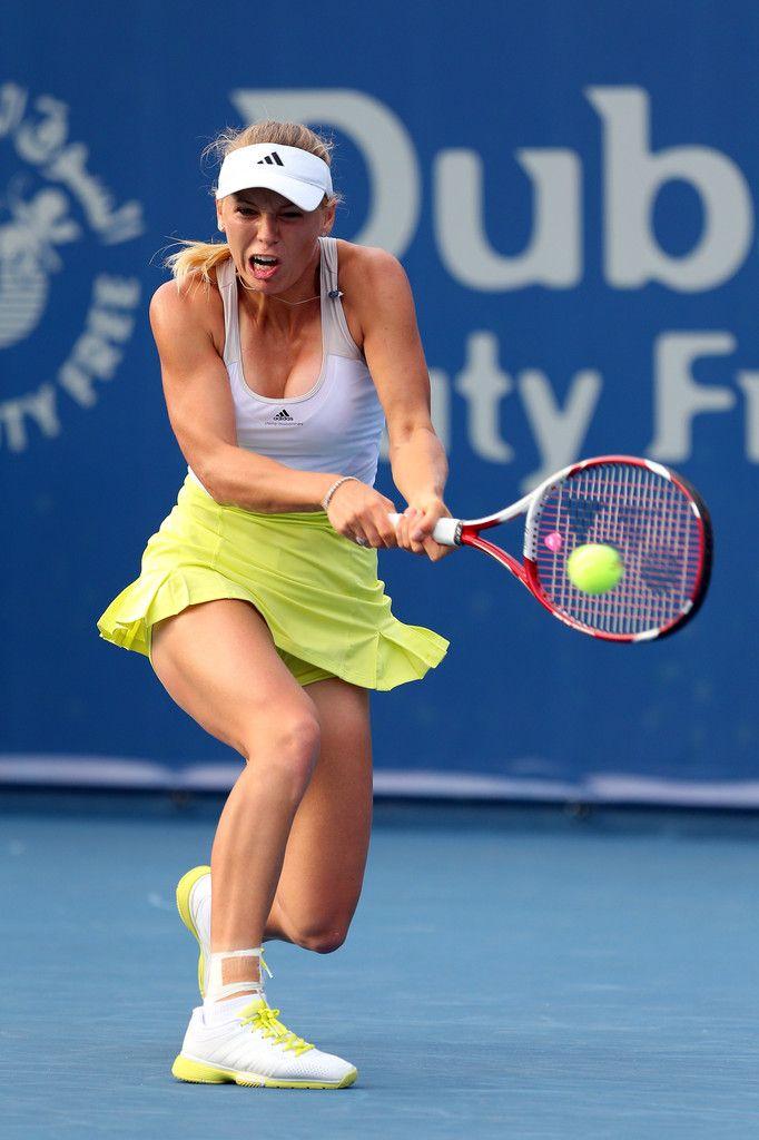 Caroline Wozniacki Photos Photos - WTA Dubai Duty Free Tennis Championship - Day Three - Zimbio
