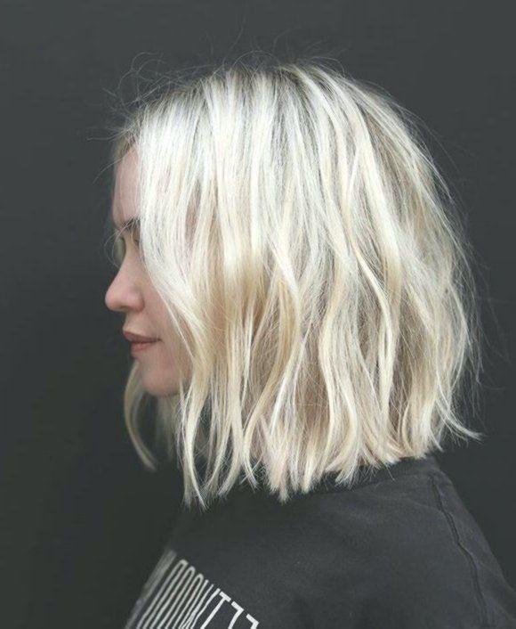 blonde wellige bob, kurze wellige bob frisur. inspo