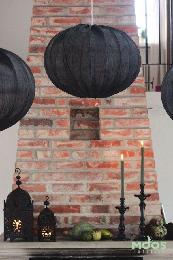 Lyktor och ljusstakar på spishällen, nu är det höst! www.moosinterior.se