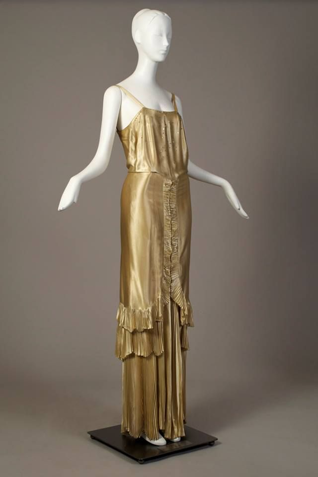 Gold silk evening dress, by Norman Hartnell, late 1930s. Kent State University Museum.