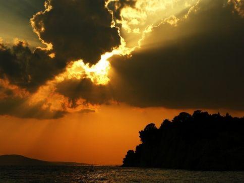 Adriai tengerparton készült naplemente fotó.