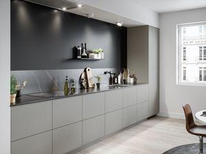 Köksinspiration - Kök från Ballingslöv i utförande System 10 med köksluckan Bistro i färgen varmgrått.