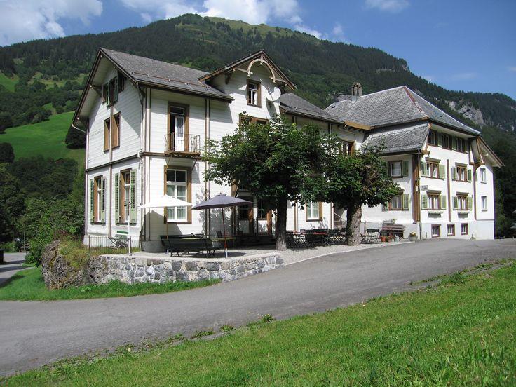 Aussenansicht Hotel Alpenhof Weisstannen