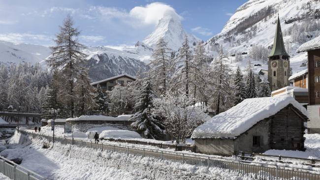 Switzerland heavy snow cuts off villages