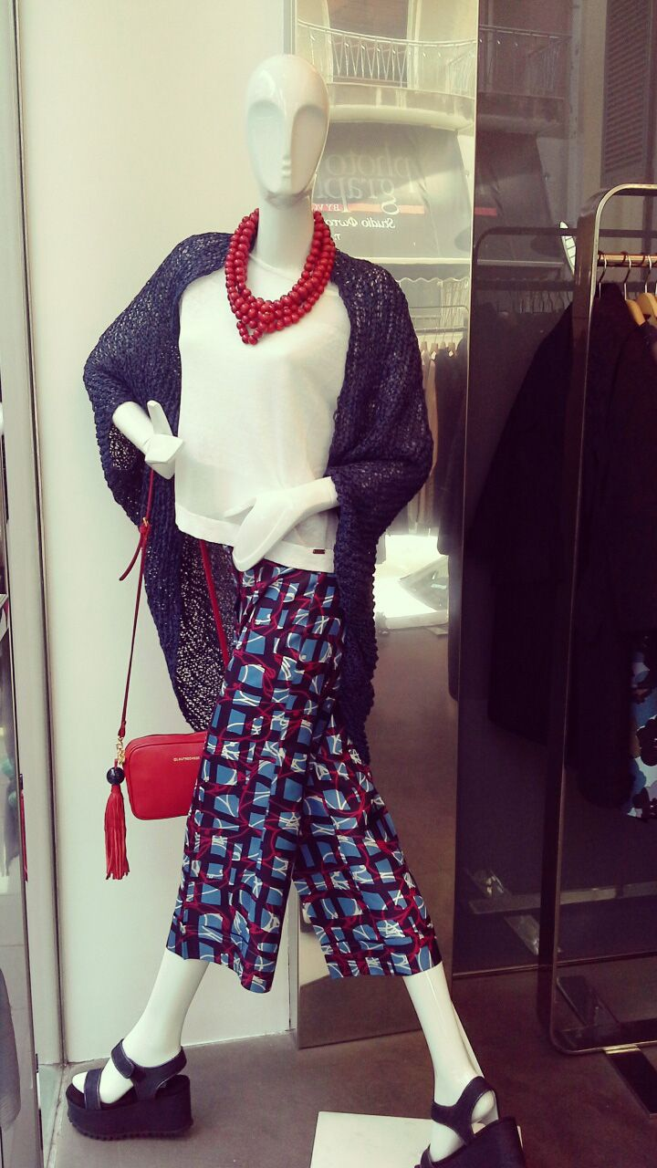 Window front from Geelist!! Cardigan and Top from Ypno Necklace Vassilia Trousers, Bag and Wedgies all from L'autre Chose!!!