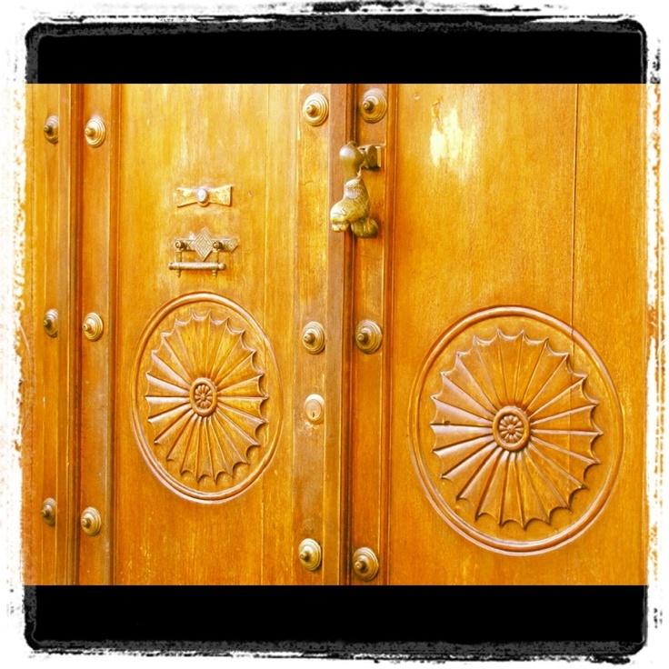 Detalles de las puertas, la mayoría tienen acabados diferentes