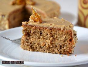GATEAU NOIX / CAFE (Pour le gâteau : 170 g de beurre, 120  de sucre, 3 œufs, 140 g de farine, 1 c à c rase de levure, 100 g de noix, 3 c à c de café soluble, 1 c à s d'eau chaude) (CREME : 2 c à s de lait, 2 c à c de café soluble, 95 g de beurre pommade, 125 g de sucre glace)