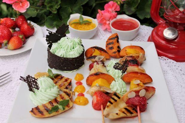Deser z grilla z sosem mango i truskawkowym. Dla dorosłych i dla dzieci!