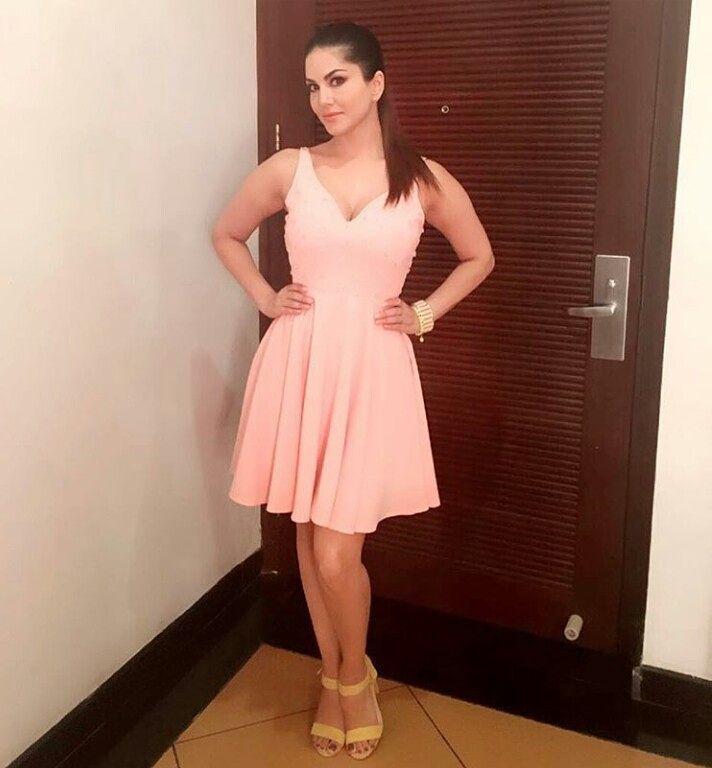 @sunnyleone looks adorable in pink dress by @amodinibyvaishalijain  @intoto.in  Styling @hitendrakapopora #bollywoodactress #bollywoodfashion #bollywoodstyle #bollywood #bollywoodlovers #sunnyleoneofficial #sunnyleonefc #pink #cute #fashionforgirls #fashion #styles #fashiondiaries #mumbai #delhi #kolkata #surat #noida #amodinibyvaishalijain #fashiongram