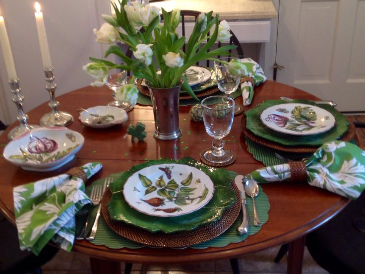 St patricks day casual dinner at my table pinterest for Casual dining table centerpiece ideas