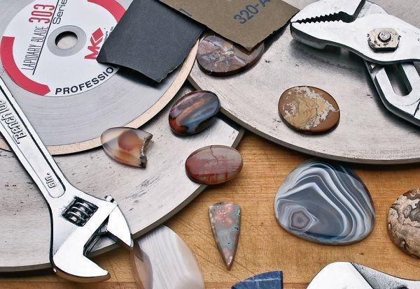 Making Gemstone Jewelry: 9 Expert Dopping Tips and Advice for Stone Cutting
