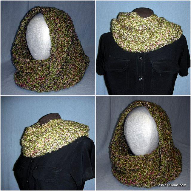 Ali-Mobius-Cowl-Free-Crochet-Pattern-Lion-Brand-Homespun by JessieAtHome, via Flickr