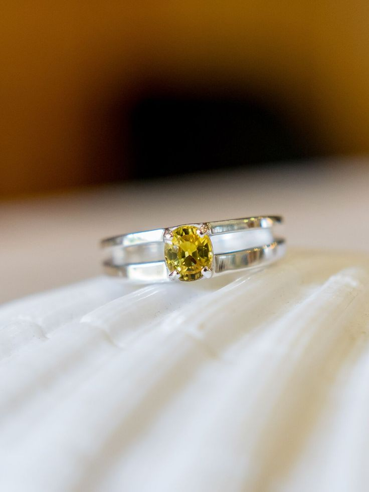 Natural Yellow 1ct Sapphire Twin Band Sterling Silver Ring #etsy #etsyseller #huntjewellery #silverjewellery #sapphirerings #handmadejewelry #handmadewithlove