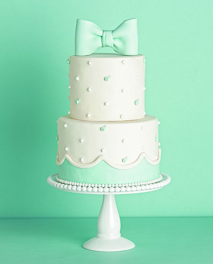 Cake Designs Green : 17 Best ideas about Mint Green Cakes on Pinterest Mint ...