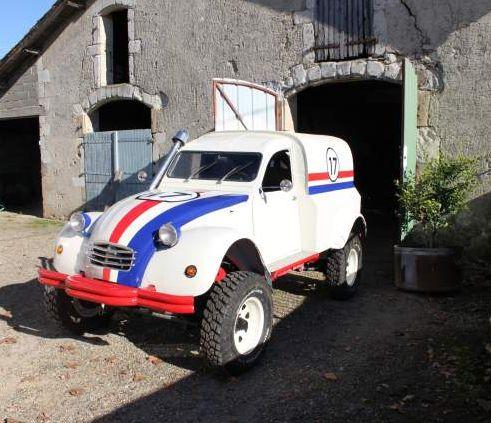 VENDEE DEUCH   Restauration 2CV, Méhari et Dérivés  Plus de découvertes sur Le Blog des Tendances.fr #tendance #voiture #bateau #blogueur