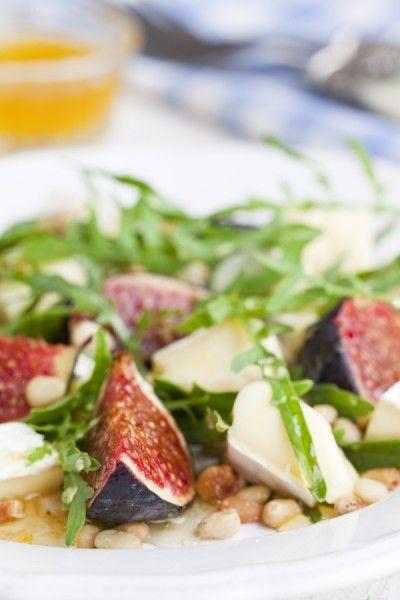 Я обожаю инжир, сыр бри, рукколу и кедровые орешки, так и получился этот салатик:) ... лёгкий и очень вкусный салат. Сладость и острота прекрасно сочетаются между…