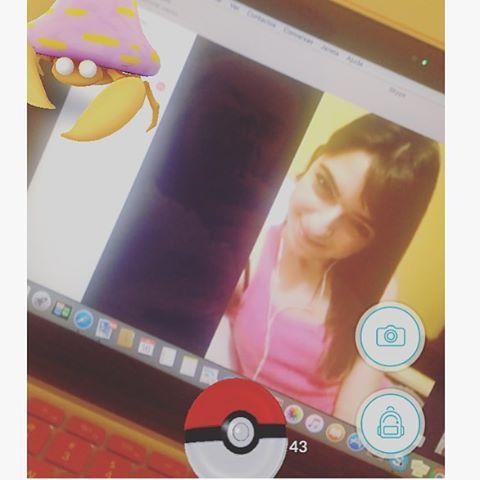 WEBSTA @ sofil88 - Apanhei um Pokemon raro que só existe na Noruega (o caranguejo é que não sei o que está ali a fazer 😹🦀)…