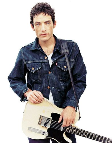 Jakob Dylan...son of Bob Dylan...lead singer WallFlowers...loved that band