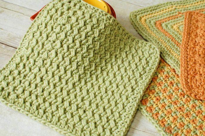 I am so excited to share some fun kitchen patterns with you this month. Today's pattern is one of the dishcloths I gave you a preview of in my post last week. This dishcloth pattern features a fun and easy stitch that gives a great textured design. Hope you enjoy it!